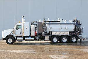 RTM Lines Vacuum Truck